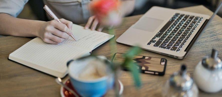 نوشتن نکات کلیدی بر روی کاغذ